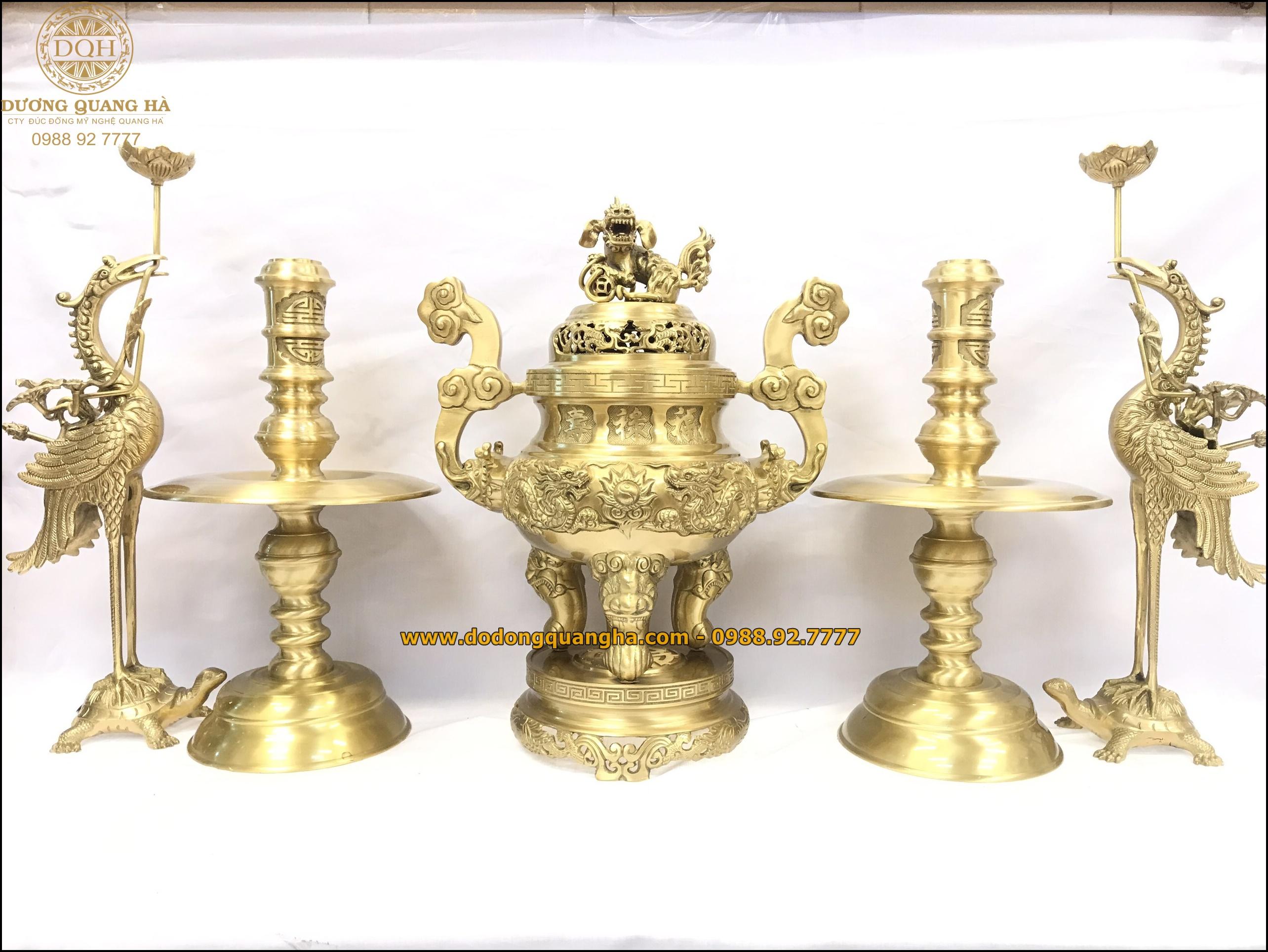 Đồ thờ bằng đồng hợp với tuổi và năm sinh của người mệnh Thổ