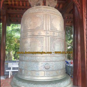 Đại Hồng Chung nặng 2,5 tấn đúc tại Cần Thơ