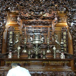 Lắp đặt bộ đồ thờ đầy đủ và tượng chân dung cho nhà thờ tư gia