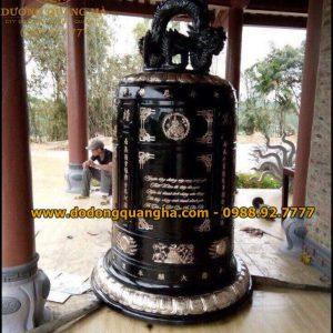 Đại Hồng Chung nặng 1,5 tấn