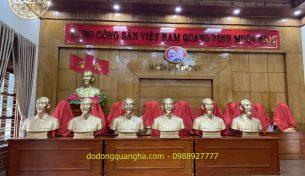 Lễ bàn giao 23 pho tượng Bác Hồ cao 81cm cho Huyện Thủy Nguyên – Hải Phòng