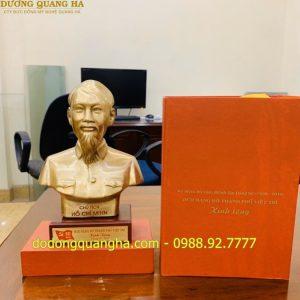Hoàn thành 400 pho tượng đồng Bác Hồ cho Thành Ủy Việt Trì – Phú Thọ