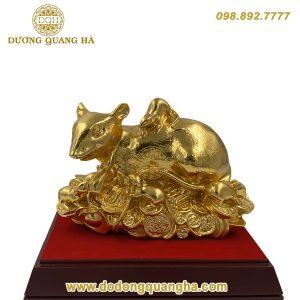 Tượng Chuột nằm trên Tiền dát vàng 9999