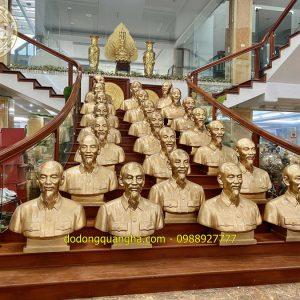 23 Pho tượng Bác Hồ bán thân cao 81cm giao tại Hải Phòng