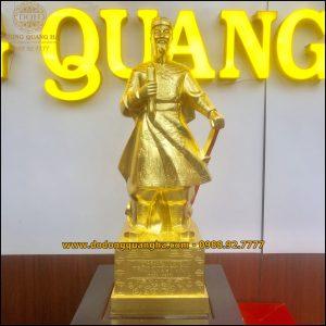 Tượng Trần Hưng Đạo dát vàng 9999 cao 70cm