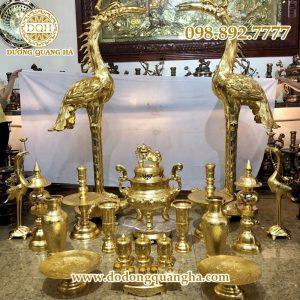 Bộ đồ thờ cúng bằng đồng thếp vàng