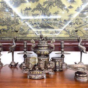 Bộ đồ thờ cúng khảm Ngũ Sắc đựa khách lựa chọn tại showroom Ý Yên – Nam Định