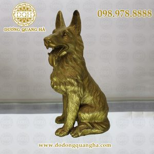 Chó đúc bằng đồng vàng