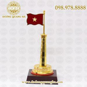 Cột cờ mạ vàng cao 30cm
