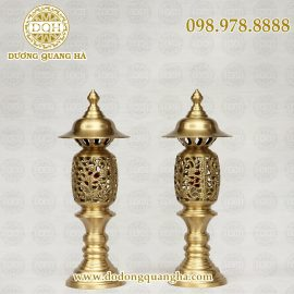 Đèn thờ bằng đồng vàng để mộc