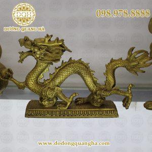 Rồng đúc bằng đồng vàng