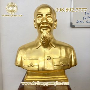 Tượng đồng Bác Hồ dát vàng