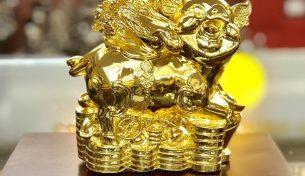 Tượng heo bằng đồng mạ vàng – quà tặng sang trọng ý nghĩa cho năm 2019