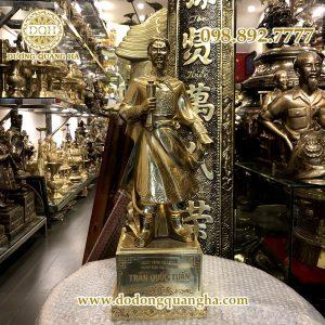 Tượng Hưng Đạo Vương bằng đồng