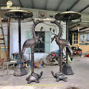 Đôi hạc và lọng thờ bàn giao tại đền Quang Trung