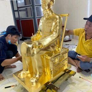 Tượng đồng Bác Hồ cao 90cm dát vàng 9999